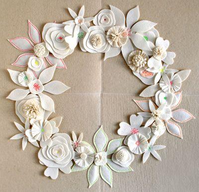 Felt-flower-wreath-2